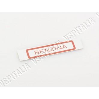 Adesivo -Benzina- rosso da applicare sul serbatoio o sul tappo serbatoio per Vespa PX/T5 e Rally 200 con miscelatore