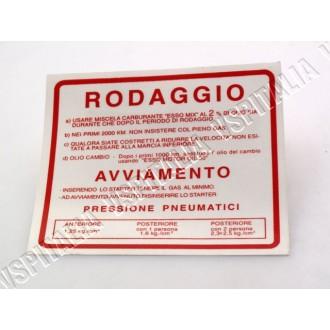 Adesivo -Norme rodaggio- rosso da applicare sul retro dello scudo per Vespa 50 - 125 Primavera - ET3 - 90 - 90ss - 180/200 Rally