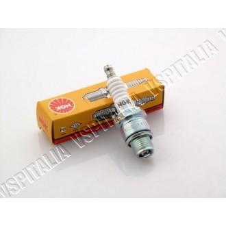 Candela NGK BR8HS - Filetto corto con resistore