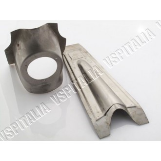 Nasello copristerzo logo rettangolare con supporto clacson in metallo Vespa 50 125 Primavera 1° serie