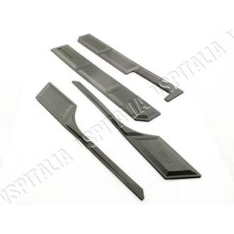 Serie strisce nere paracolpi per cofani e parafango Fabbricate in Italia per tutti i modelli di Vespa PX