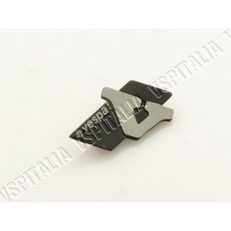 Targhetta bauletto portaoggetti -èVespa- in metallo per Vespa PK 50 125 HP - N - FL - R.O. Piaggio 257286